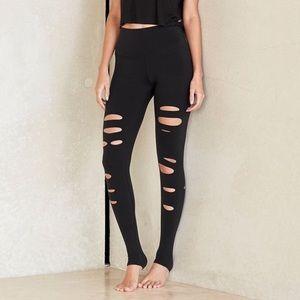 ALO Yoga Pants - Alo yoga Ripped Warrior leggings